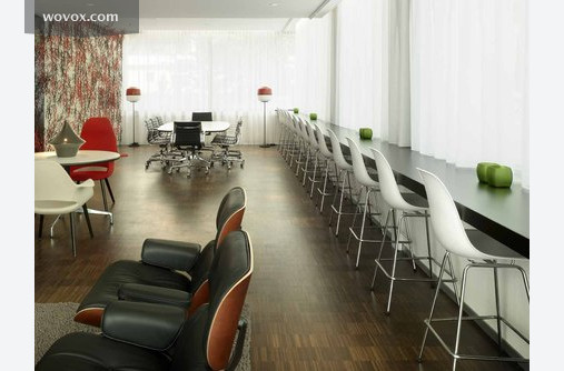 Amsterdam-based citizenM group provides affordable luxury right in the heart of major metropolitan cities to a new type of traveler – global citizens who deeply value comfort, stylish design, and a sociable atmosphere at a reasonable price.
